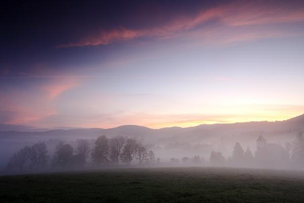 Ranní mlhy nad Lipnem